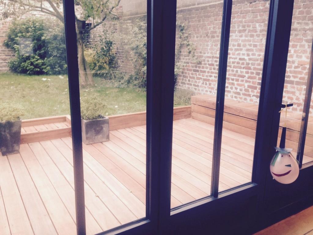 Conception d'une terrasse avec banquette La Madeleine