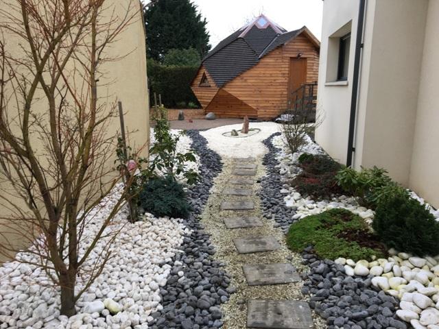 Jardin japonais avec galets près de Lille